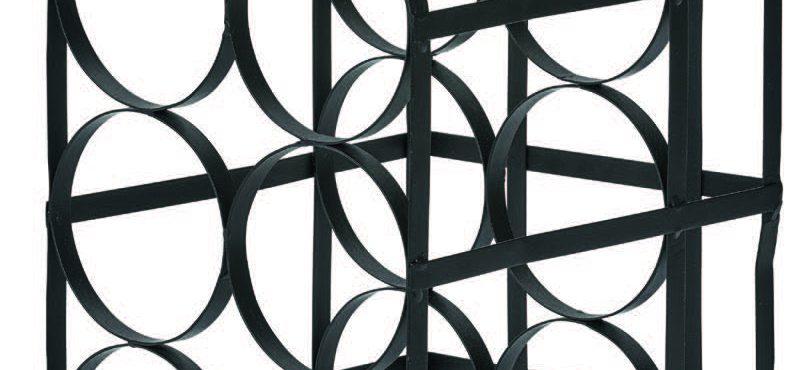 Kubvinställ i svart metall har plats för 6 flaskor och kostar 359 kr hos Mio.