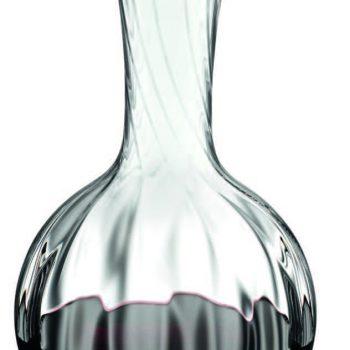 En maskintillverkad karaff från Riedel hjälper inte bara till att lyfta aromerna i vinet. Det är dessutom en mycket elegant pjäs att ställa fram på bordet och servera vinet ur. Vinkaraffen Performance Magnum, ca 1000 kr.
